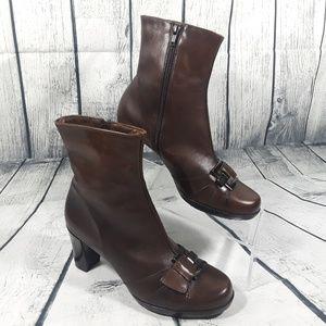 La Canadienne Womens Brown Heels Zip Boot Size 8.5